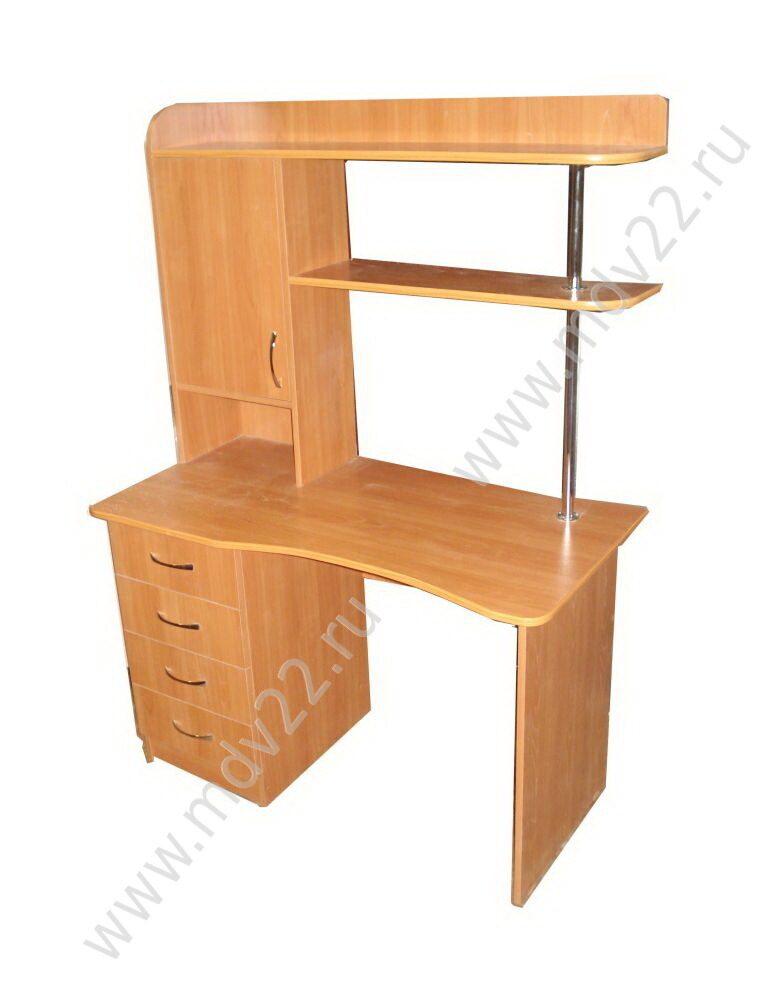 3 письменные столы.