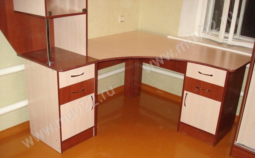 Компьютерный стол по индивидуальным обои на irixpix.