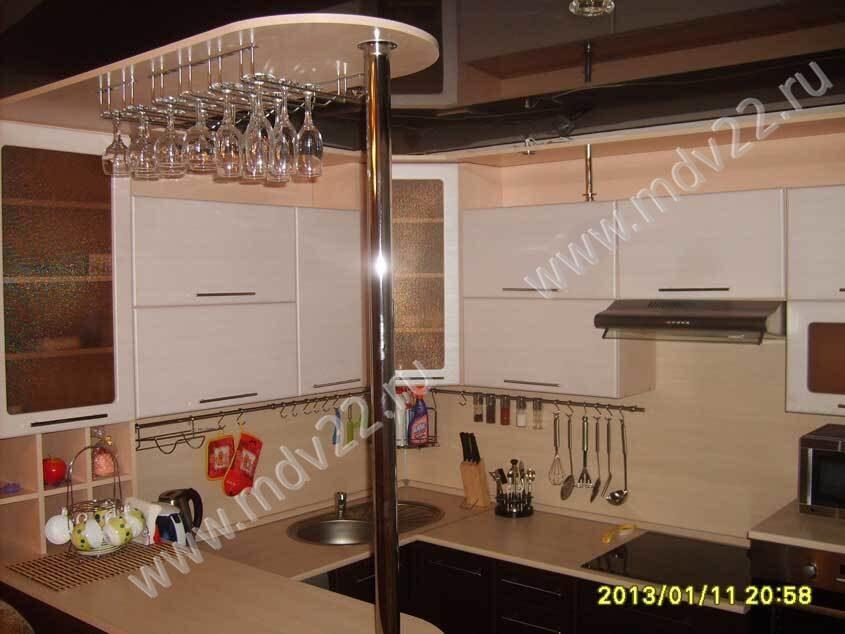 кухня студия с барной стойкой в новостройке по улгисакова 264